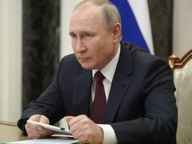Путин потребовал от чиновников вернуть наворованное: спектакль начинается
