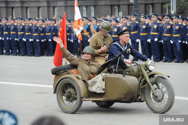 Челябинский губернатор изменил традицию напараде Победы. Фото, видео