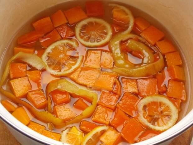 После остывания сиропа, нагреваем ещё раз