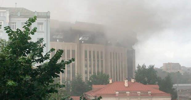 Взрывы звучат в центре Москвы. Только не пугайтесь, это не террористы. Эти взрывы рождают не страх, а воспоминания