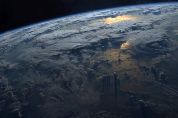 16. Закат над Землей земля, космонавт, космос