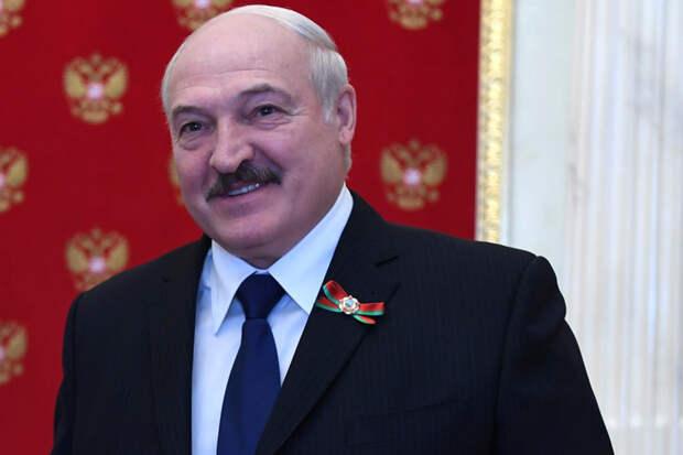 Лукашенко назвал виновных в росте цен на жильё в Минске
