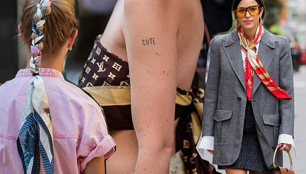 5 способов носить шелковый платок летом
