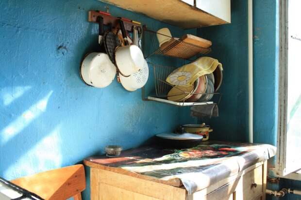У подруги муж все решает сам, даже какая посуда будет на кухне.
