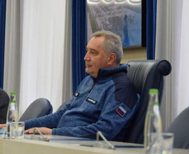 Рогозин: Роскосмос никогда не входил в группу по созданию окололунной станции Gateway