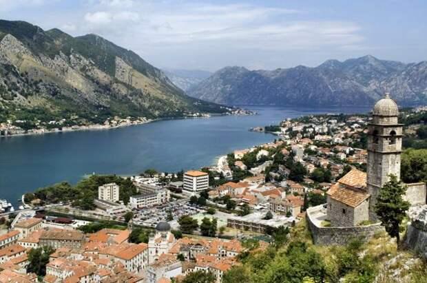 В Черногории отменят введенный из-за коронавируса комендантский час