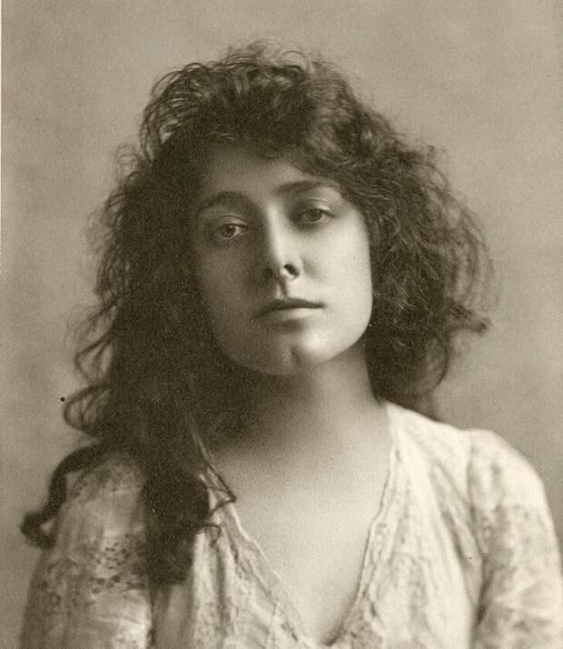 Актриса Джулия Марлоу, 1899
