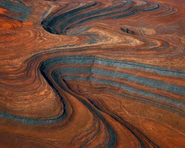 Аэрофотоснимки пустыни Намибии выглядят как абстрактные картины