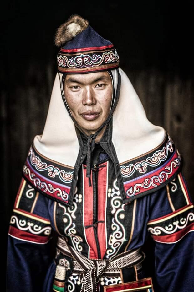 """Сибирские портреты  Александра Химушина из фотопроекта """"Мир в лицах""""."""
