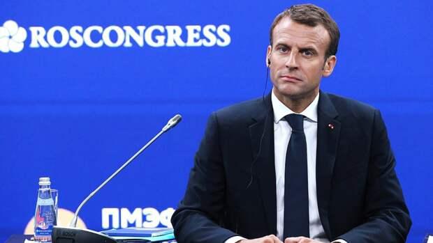 Франция отказалась применять вакцину AstraZeneca против новых штаммов COVID-19