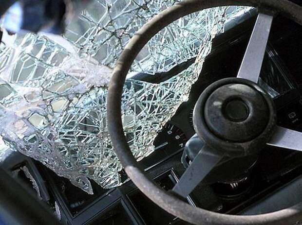 В Волгограде автомеханик угнал и разбил в ДТП иномарку клиента