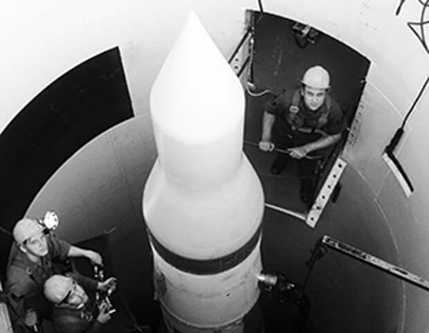 США испуганы перспективой остаться без ядерного оружия