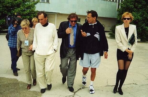 Андрей Кончаловский, Жерар Депардье, Олег Янковский в Сочи на фестивале «Кинотавр», 1996 год.