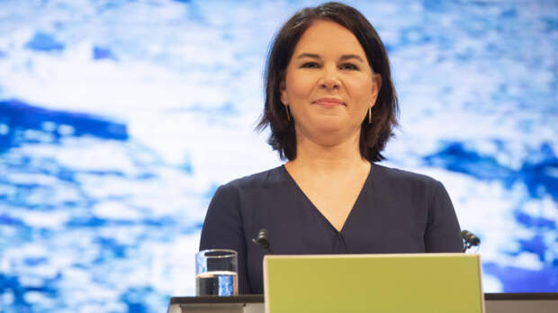 Политолог Камкин: Бербок может стать самым неудобным для России канцлером за 200 лет