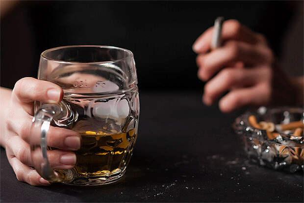 Курильщик «сжигает» 10 лет жизни, алкоголик - 23 года