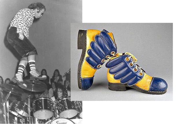 Прыжок Элтона Джона в крылатых ботинках.