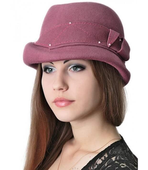 Кокетливая женская шляпка