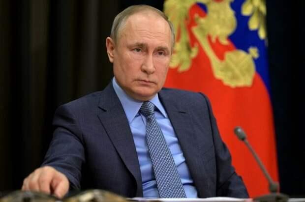 Путин призвал работать ритмично над выполнением его послания в 2021 году