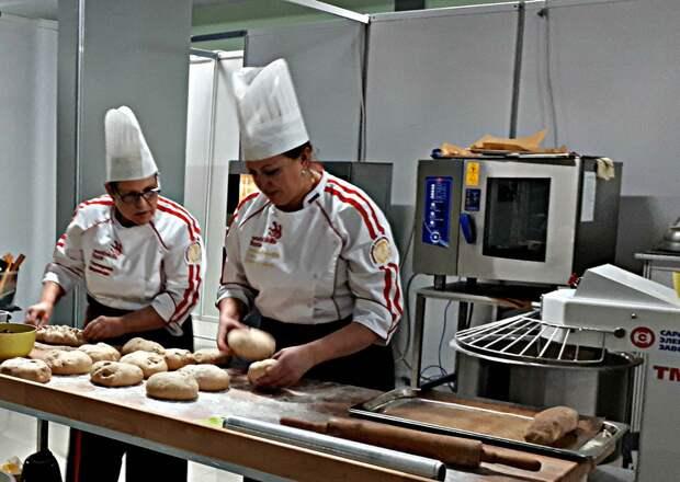 Приходите отведать пирог Рыба «Sia» от мастеров «Тортида»! Фестиваль «Рыба-не мясо!» в Балаклаве