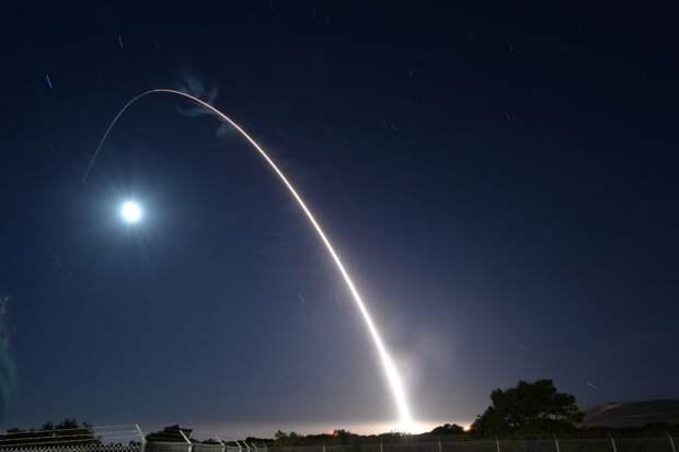 В США прерван пуск межконтинентальной баллистической ракеты (ВИДЕО)