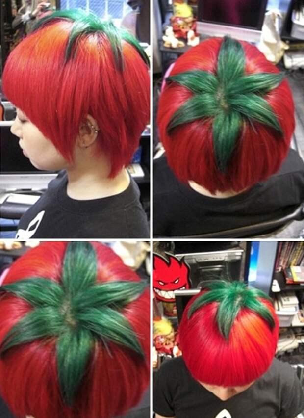 Красные короткие волосы и зеленые пряди на макушке.