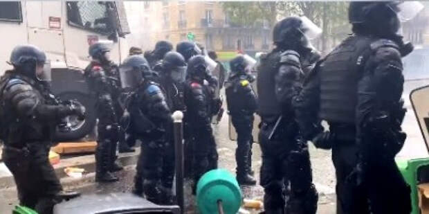 Акция в поддержку Палестины во Франции, переросла в беспорядки и столкновения с полицией