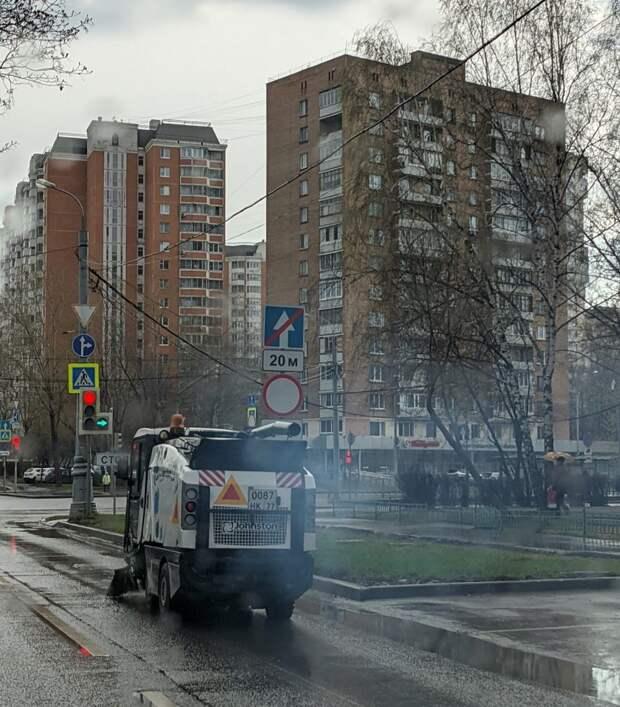 На Молодцова уборочная техника отравляла воздух вредными выхлопами
