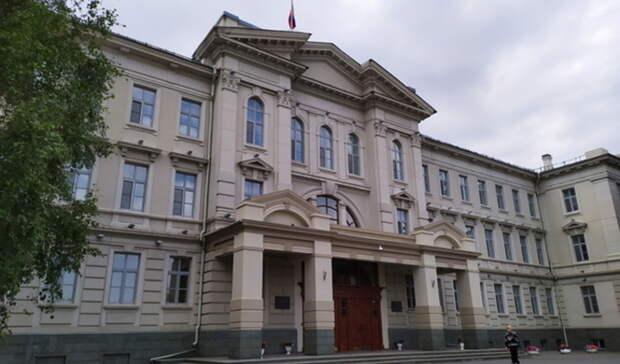 Виктор Назаров официально сложил полномочия сенатора отОмской области