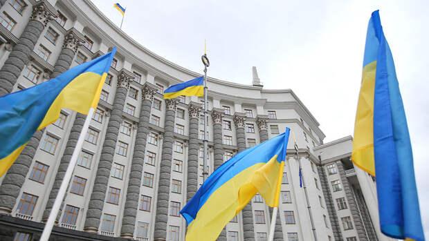 СНБО Украины продлил санкции против ряда граждан и компаний России