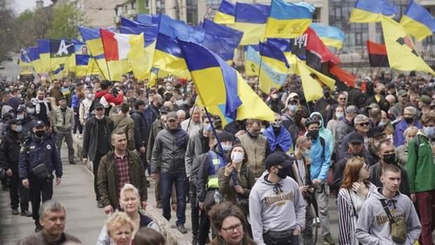 Политолог Кот осудил нацистский марш одесских поджигателей