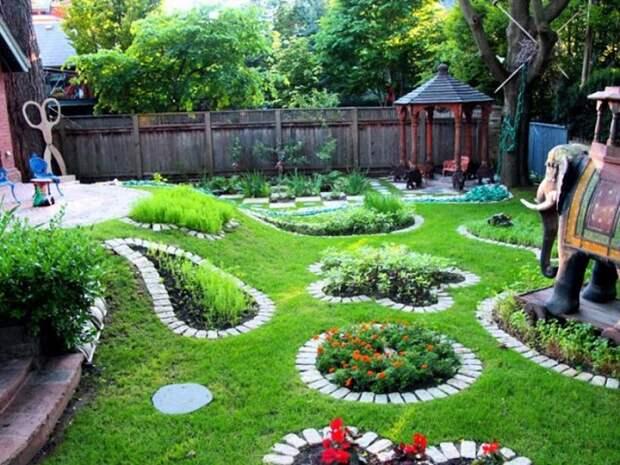 Ограждения из камня для цветников и грядок помогут превратить дачный участок в настоящий райский уголок.