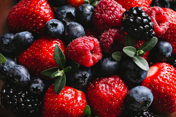 Диетолог рассказала о пользе ягод