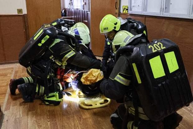 Сработали как часы: столичные огнеборцы приняли участие в ликвидации условного пожара