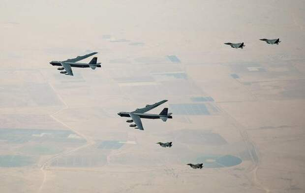 The Sun: ядерные бомбардировщики США и самолеты НАТО провели «военные игры у российского порога», показав Москве свою мощь