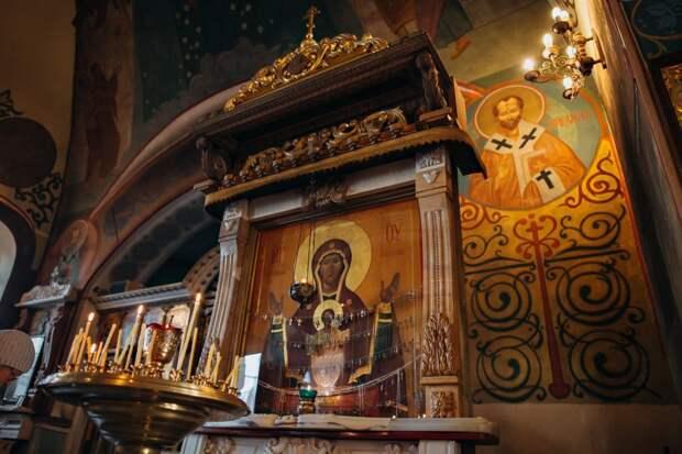 Храм Покрова Пресвятой Богородицы в Братцеве опубликовал расписание богослужений