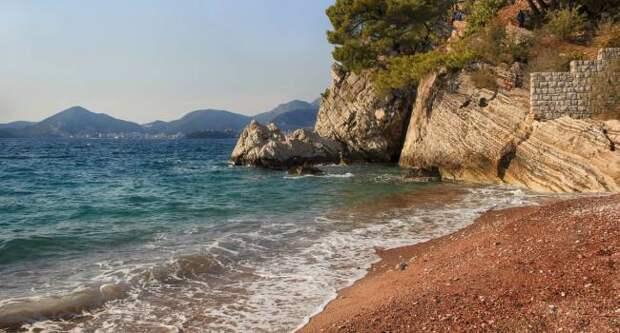На побережье Адриатики под водой обнаружен древний порт