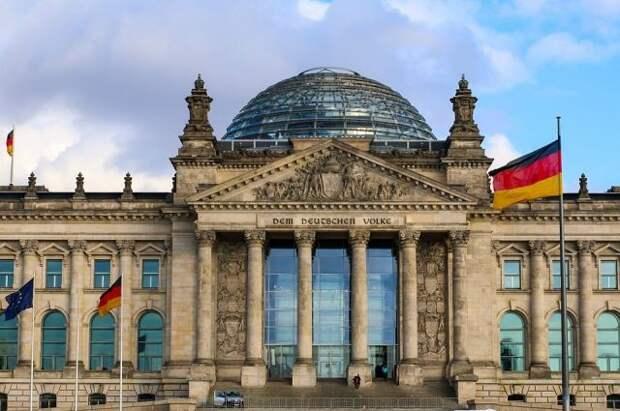 Немецкий депутат предложил ввести санкции против США для защиты СП-2