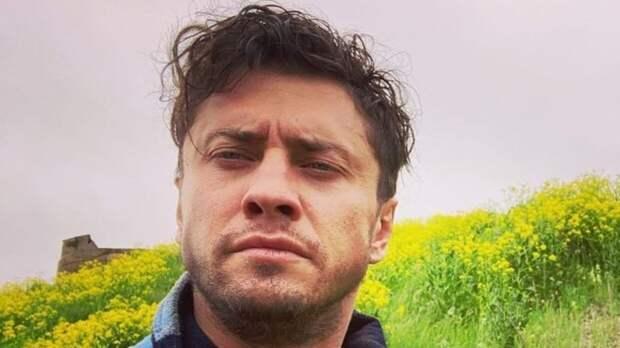 Актер Павел Прилучный назвал Мирославу Карпович потрясающей