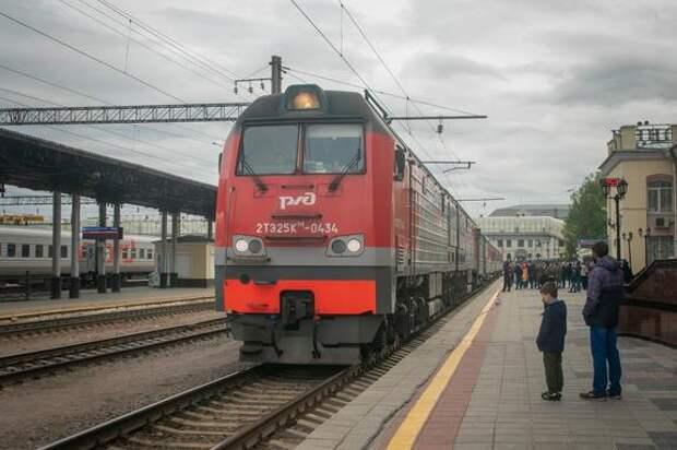 Несколько пассажирских поездов задерживаются в пути из-за схода вагонов в Самарской области