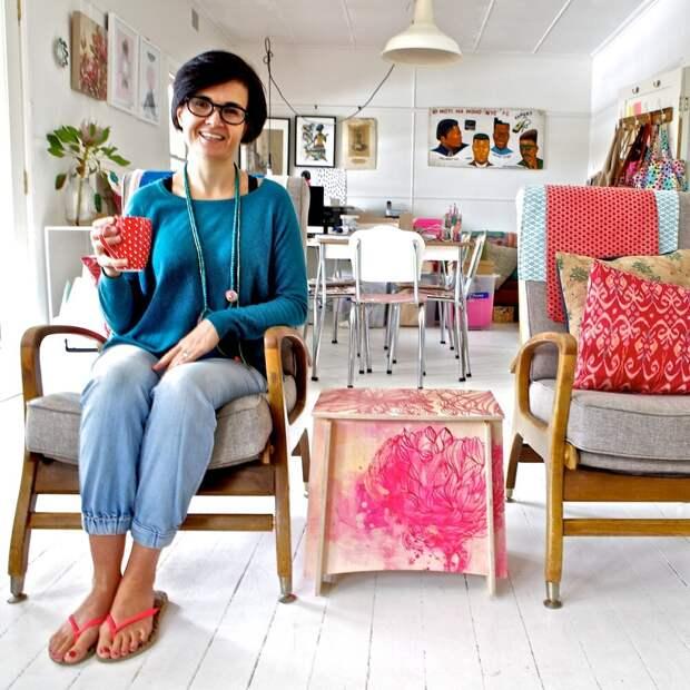 Бизнес на табуретках: дом креативных идей и полигон испытания цвета