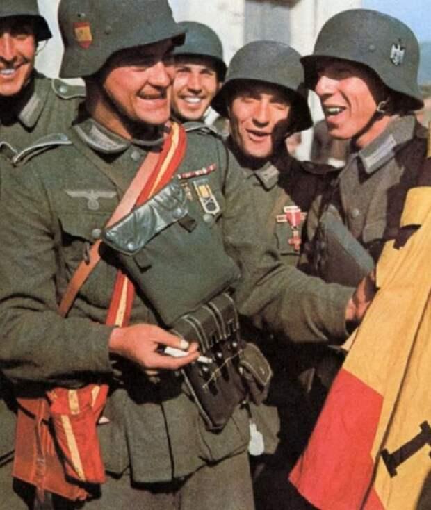 Испанские добровольцы из состава 250-ой пехотной дивизии вермахта.