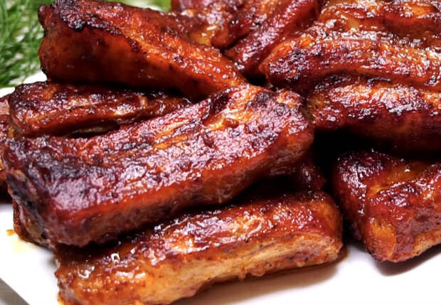 Шашлыка больше не просят: ставим на стол свиные ребра из духовки