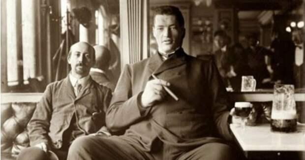 Адам Райнер: история несчастного парня, сумевшего побыть карликом и великаном