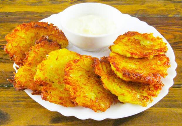 Правильные драники без яиц и муки: берем только картошку