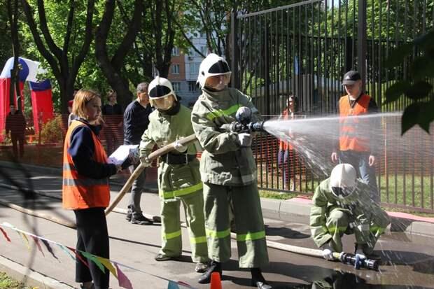 В САО провели межрайонный этап соревнований «Школа безопасности»