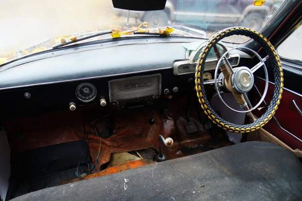 На русском — только надписи ''Волга'' снаружи и внутри авто, волга, газ-21, олдтаймер, правый руль, редкий авто, ретро авто, экспорт