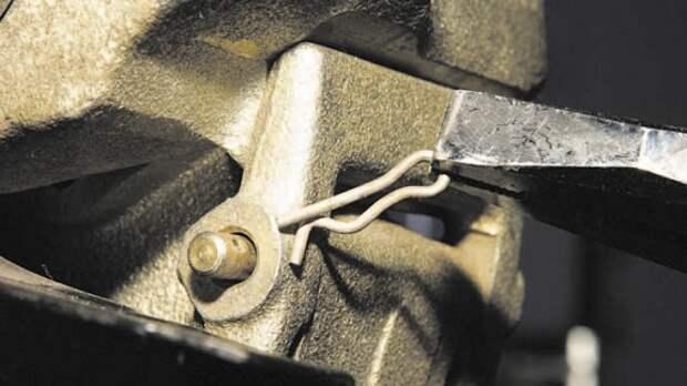 Chevrolet Niva: меняем тормозные колодки