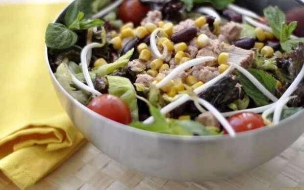 Мясной салат с перцем и кукурузой. Простой, вкусный и оригинальный салатик на скорую руку 2