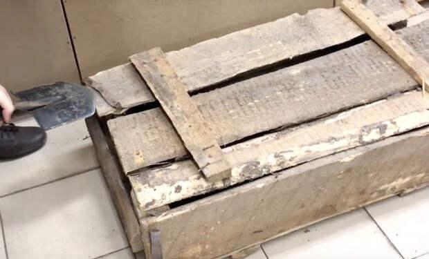 Вскрываем старый оружейный ящик: он лежал на складе 30 лет