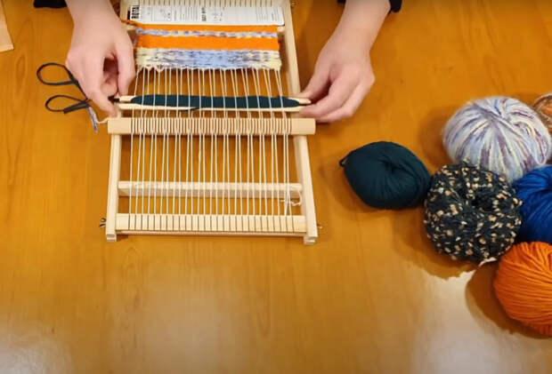 Мастерица показала отличный мастер-класс как полезно применить остатки ниток